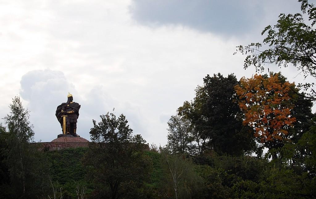 Коростень. Памятник князю Малу