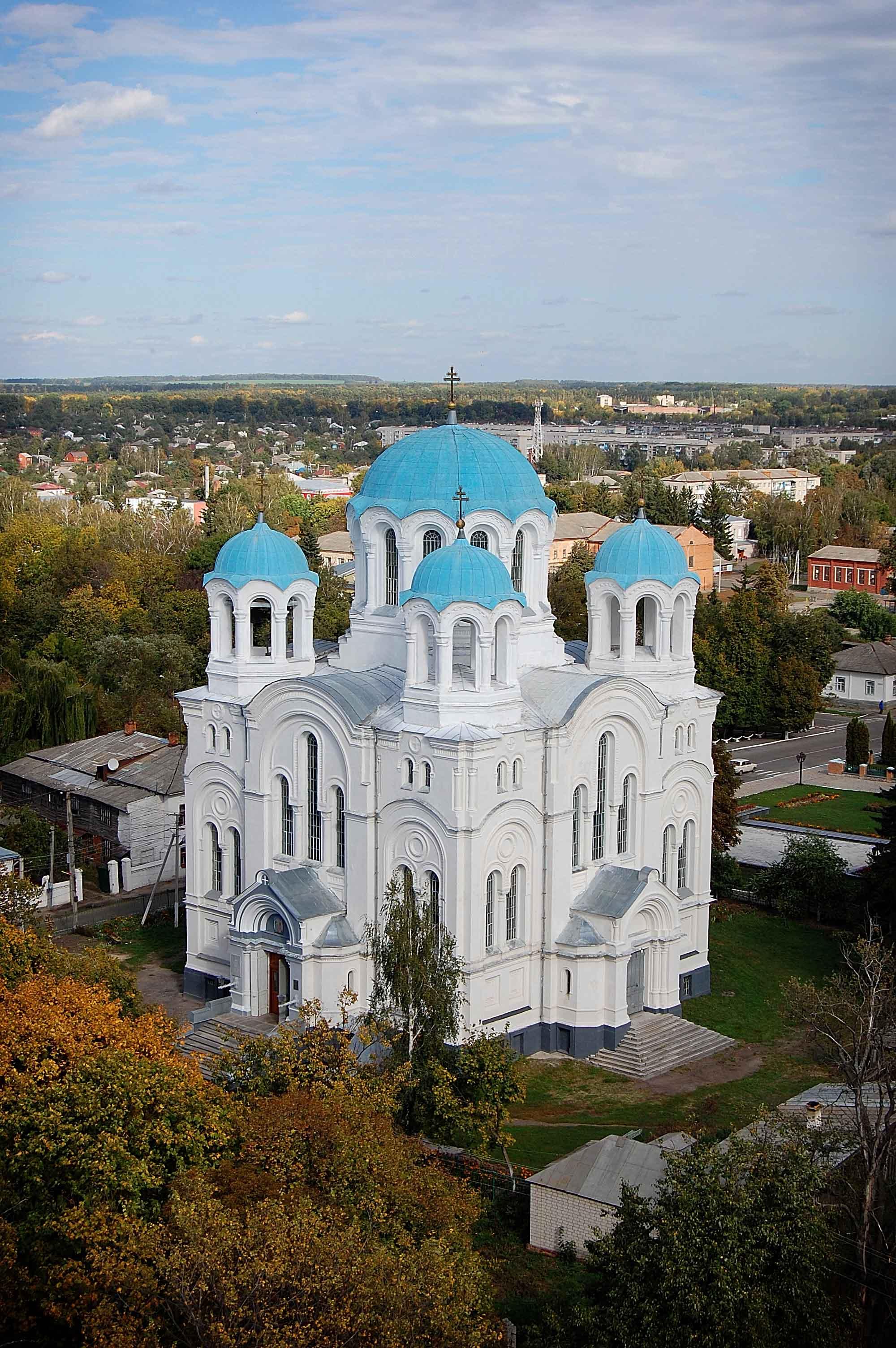 Глухов. Трех-Анастасьевская церковь